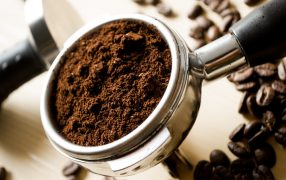 does grinding coffee finer make it stronger